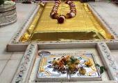 Sai Baba samadhi image, yellow and gray color